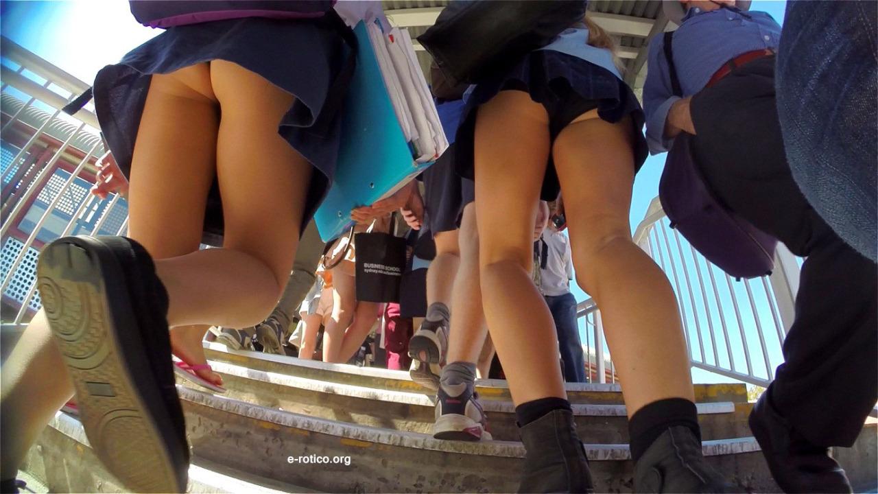 Фото посмотренное под юбками
