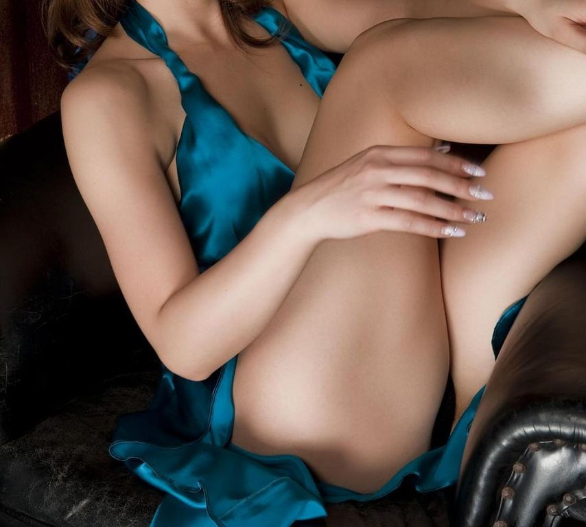 【太ももエロ画像】名前の通り太くてナンボwムッチリが肝心な女の太もも(;・∀・)