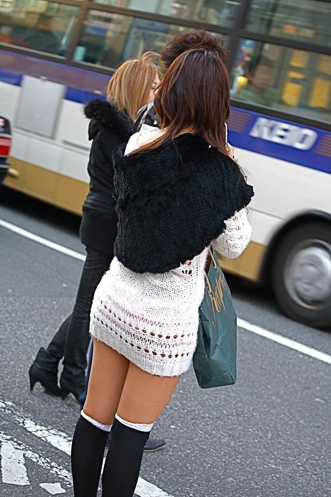 【着尻エロ画像】履いててもわかるパツパツの肉w着衣からも主張する女の尻(*´Д`)