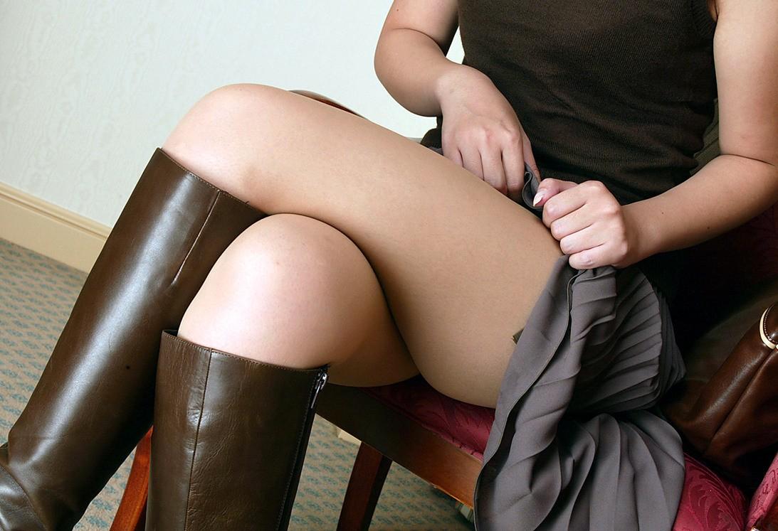 【太ももエロ画像】膝枕で暖め合いたい!冬は恋しいムッチムチの太もも(;´Д`)