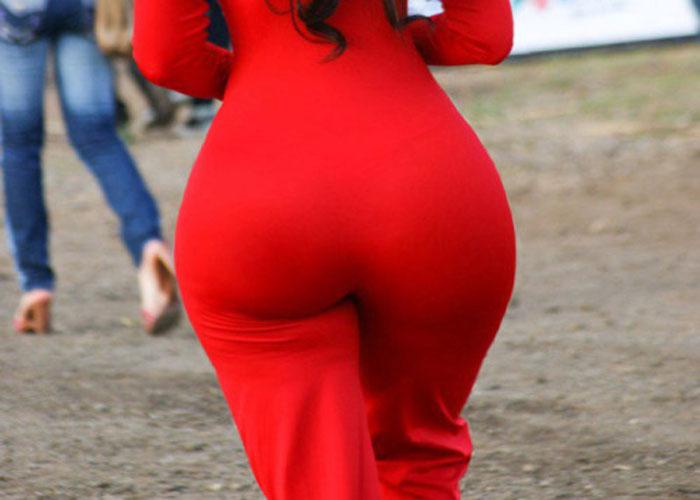 【巨尻エロ画像】なんてデカさだ!何着ても誤魔化し不可な外人さんの着衣巨尻(;´Д`)