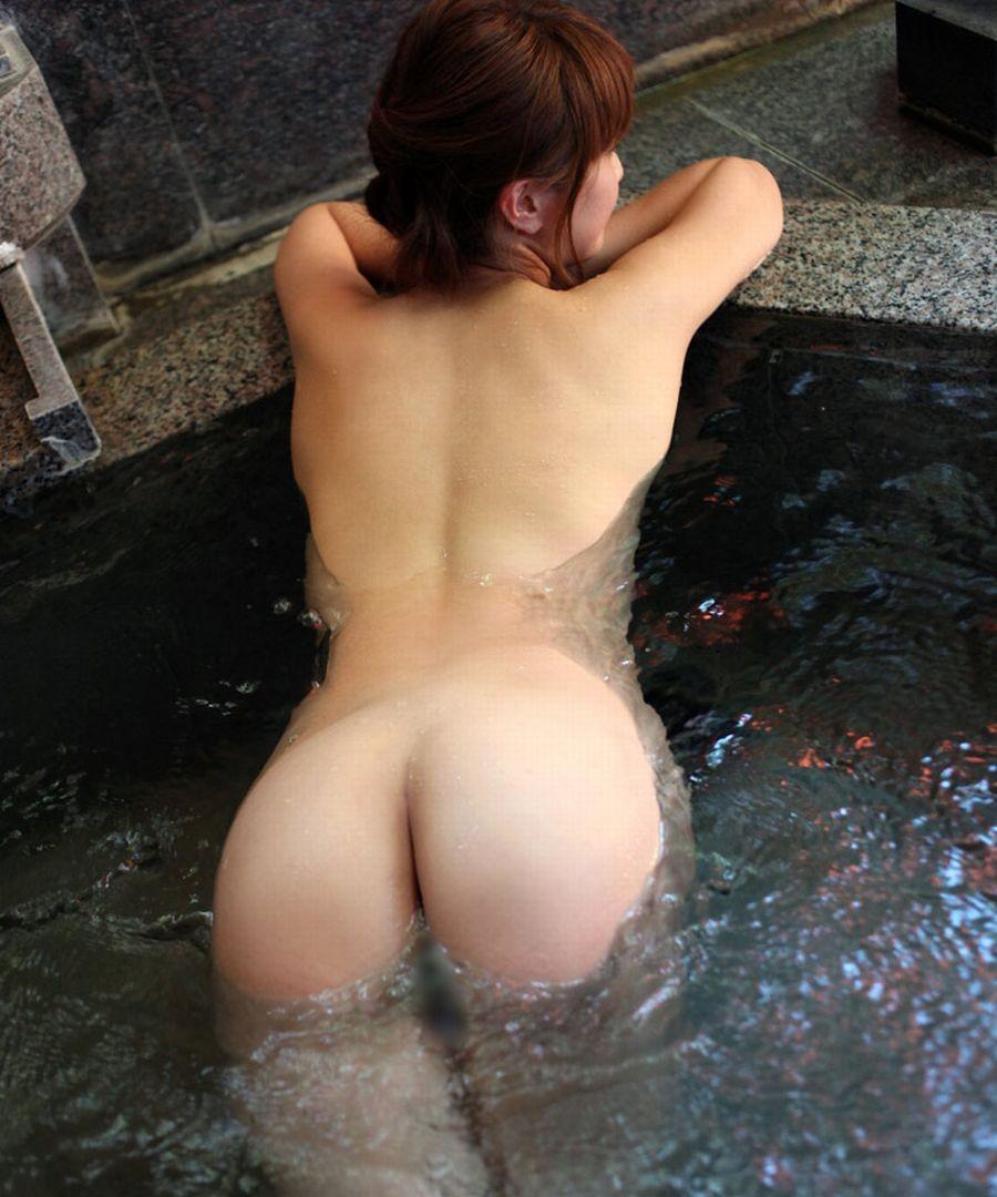 【入浴エロ画像】一緒に暖まりたい!セクハラ込みで裸の付き合い希望な入浴美女(;゚Д゚)