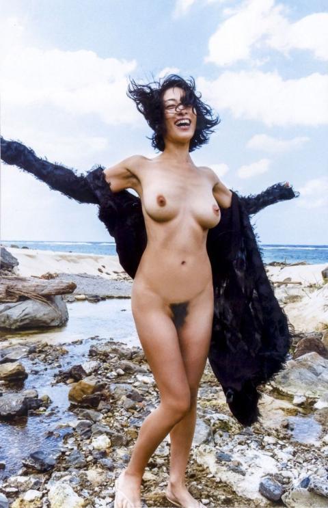 佐藤寛子(31)無修正ヌード流出…隠れていた使い込まれた老婆の乳首が遂に公開されている…(※拡大画像あり)