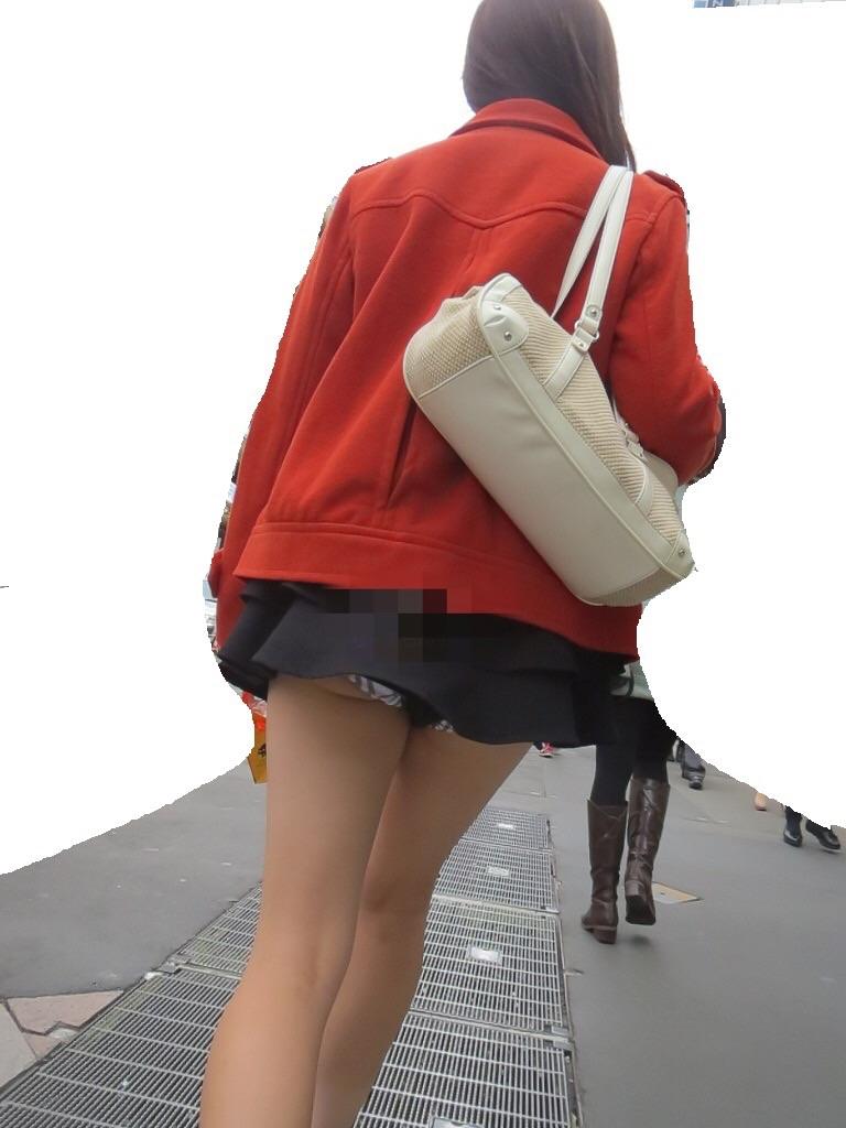 【美脚エロ画像】出してて当然だから見放題!見惚れる都会の脚美人撮り(;´Д`)