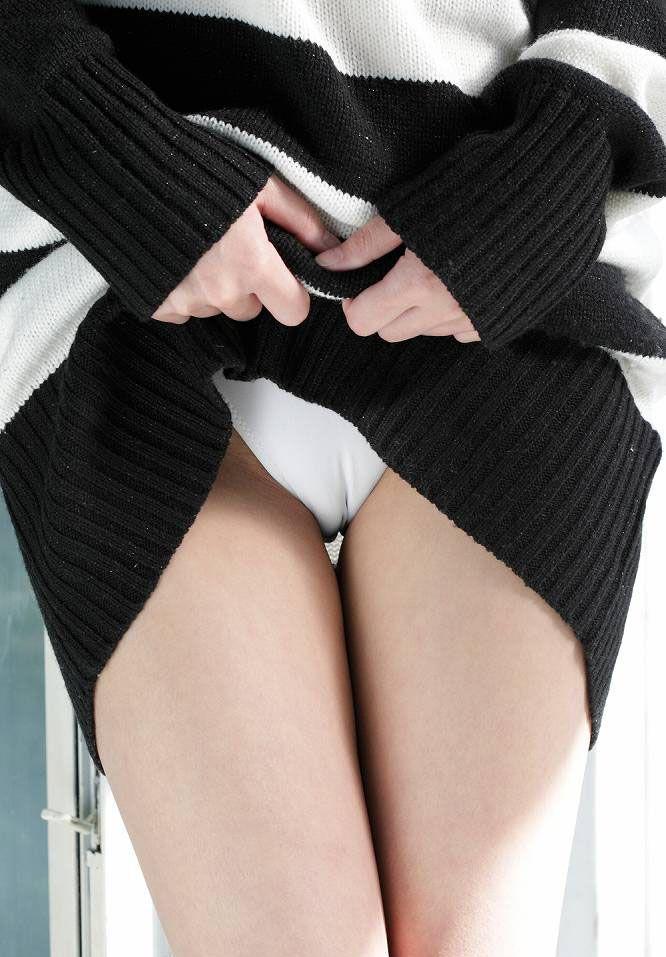 【マンスジエロ画像】この線の内側にはもちろん…食い込みのたまらん股間のスジ(*´Д`)