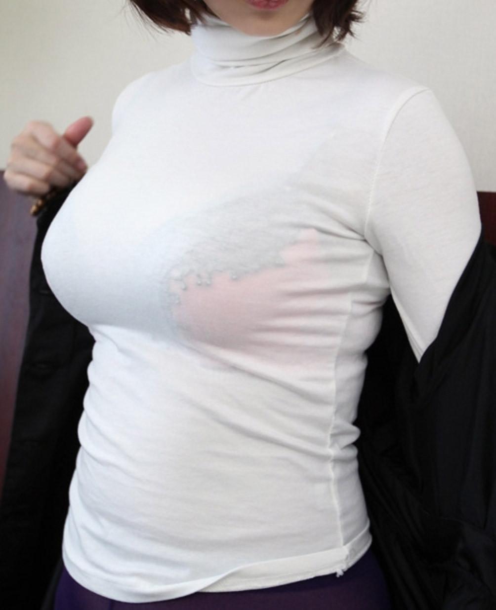 【着胸エロ画像】揉んでみたいです…膨らみ方から圧巻の着衣おっぱい(;・∀・)