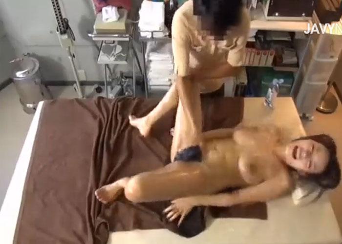 【エロ動画】マッサージ師も仕事忘れちゃったw回春にハマる巨乳お姉さん(*゚∀゚)=3 01