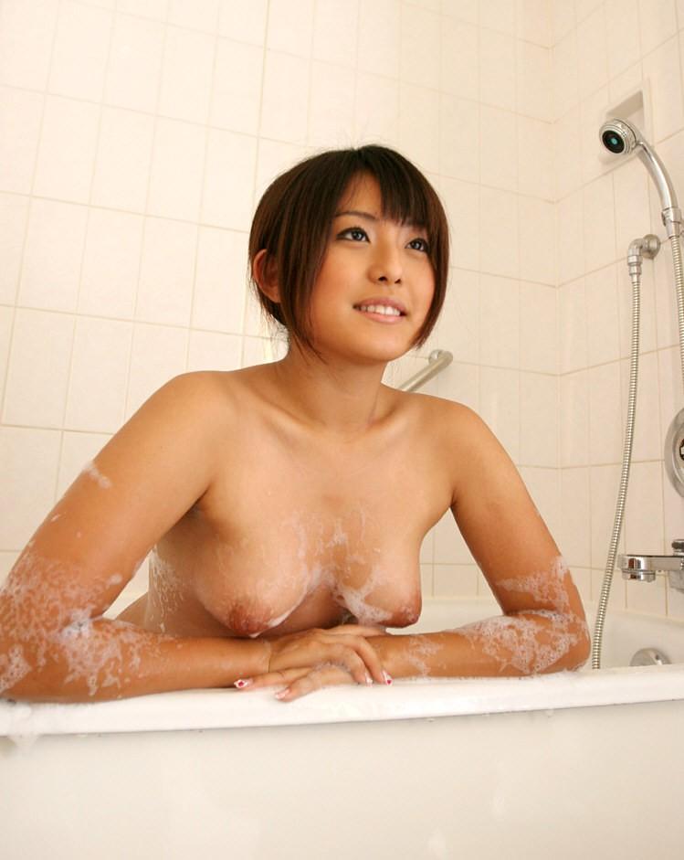 【洗体エロ画像】是非俺も洗って欲しいですw泡まみれのそそる裸体(;´Д`)