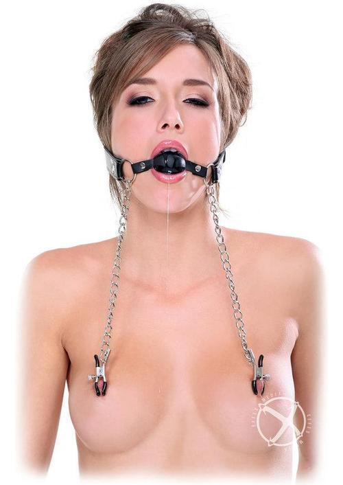 【SMエロ画像】貴重な乳首になんて事を…痛々しいニップル挟まれ折檻(゜ロ゜ノ)ノ