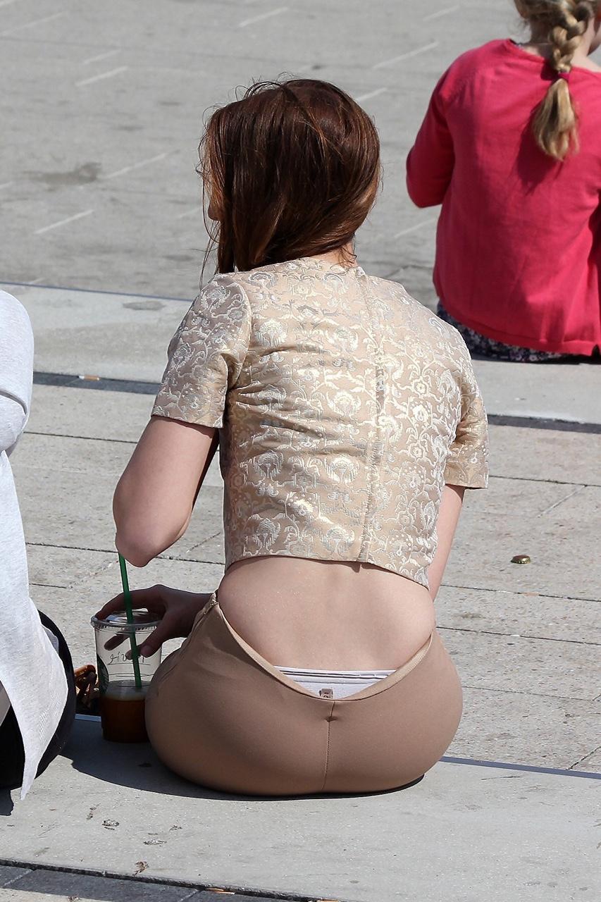 【ローライズエロ画像】お洒落だから見てよしwローライズ女子のパンツ自慢(;´Д`)