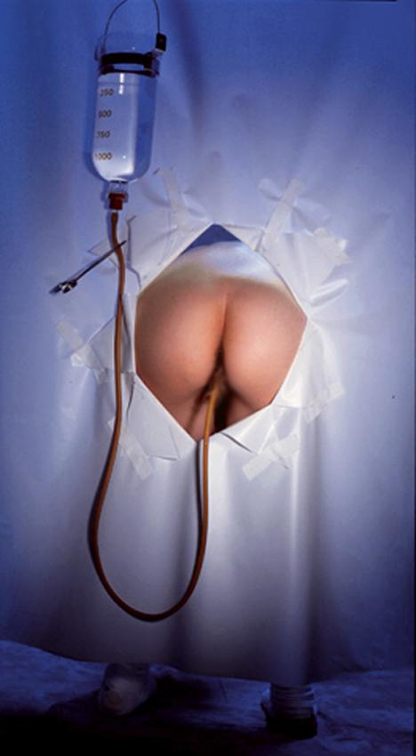 【SMエロ画像】この後強制排泄!大量噴射に恐れおののくM女たちの大量浣腸(;゚Д゚)