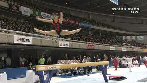 【速報】さっきの女子体操中継で大開脚おマ○コぱっくり事故wwww(画像あり)