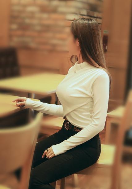 【着胸エロ画像】暑い今こそ本領発揮な乳袋!見せつけ歓迎な着衣巨乳(;´Д`)