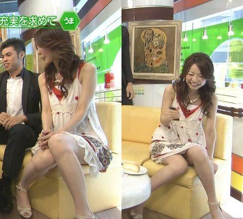 【パンチラエロ画像】気になる芸能人のミニスカ股間!見えてるかもなデルタゾーン(*´Д`)
