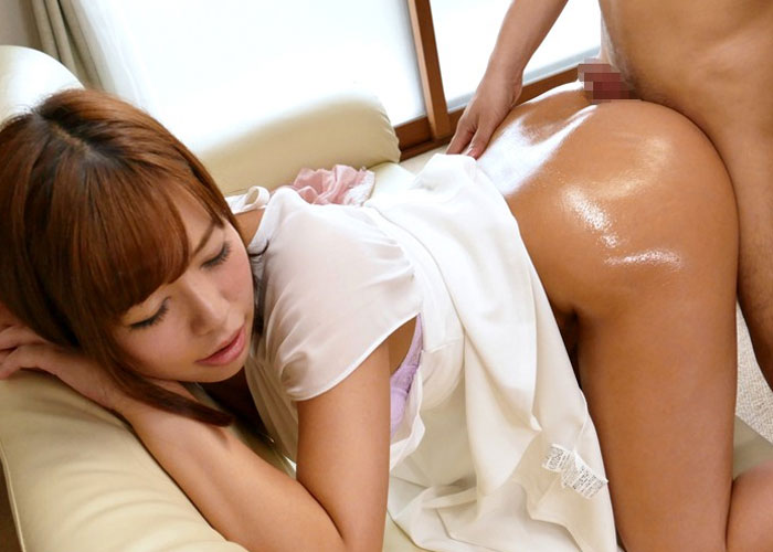【エロ動画】褐色の美巨尻が寮生たちに大人気な寮母さんのご奉仕セックス!(;゚∀゚)=3