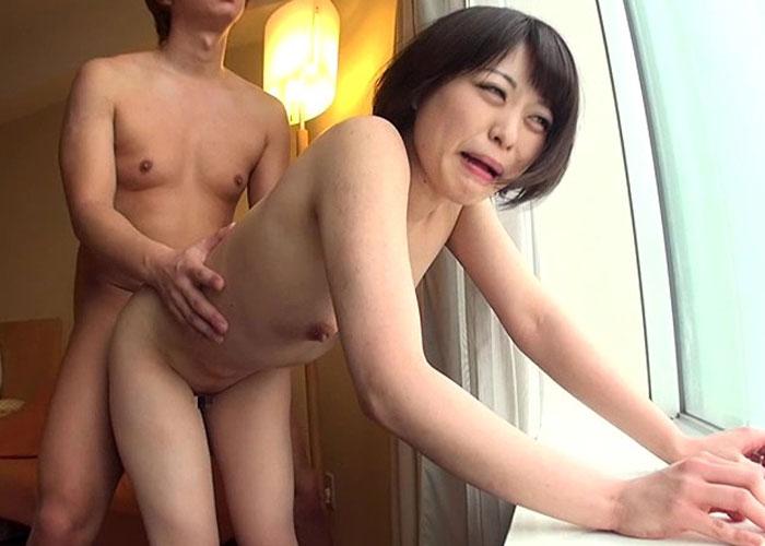【エロ動画】会ったばかりの男に中出しまで許しちゃった欲求不満若妻!(*゚∀゚)=3 02