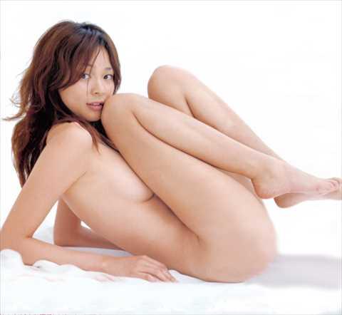 モデルSHIHO(41)衝撃のセミヌード、ポッチ画像…2ch「デカ乳首だな…」「全裸になってたのか…」