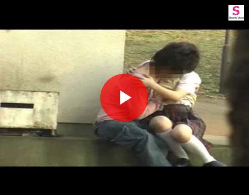 【エロ動画】何してるニャあの人間たち…ぬこ様の側でやらかす青姦カップル!(;゚∀゚)=3 03