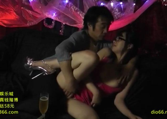 【エロ動画】キャバクラ盗撮!断れない眼鏡嬢がセクハラ客にイカされる!(;゚∀゚)=3