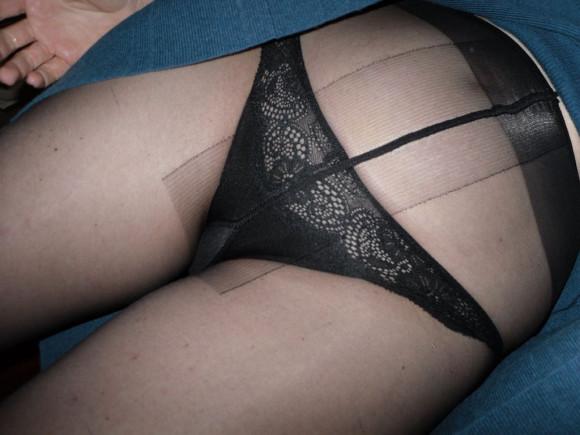 暑いけど黒スト穿いたお姉さんのエロ画像 part29