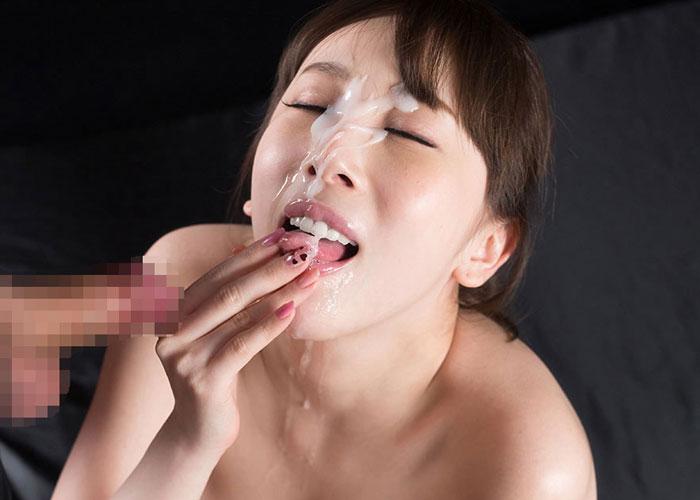 美人だから顔に浴びる女性たちの顔射エロ画像