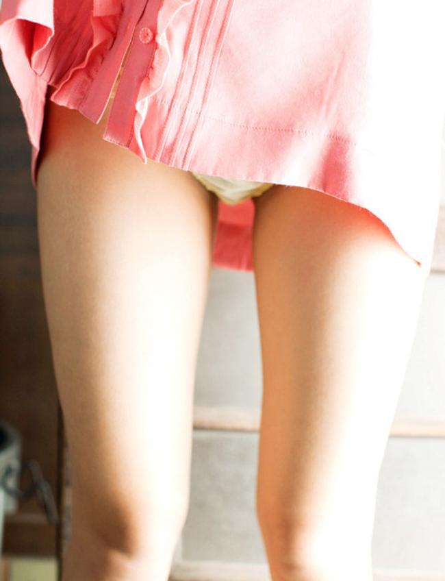 【美脚エロ画像】痩せすぎはアカン!ムッチリしていてこそな女子の太もも(*´д`*)