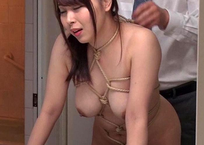 【エロ動画】寝ている夫の側で緊縛調教されてイクドM爆乳奥さん!(;゚∀゚)=3