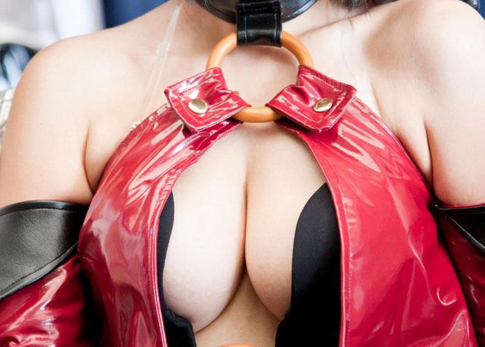 【コスプレエロ画像】コミケの度に出現が期待される乳目立つコスプレイヤー(;・∀・)