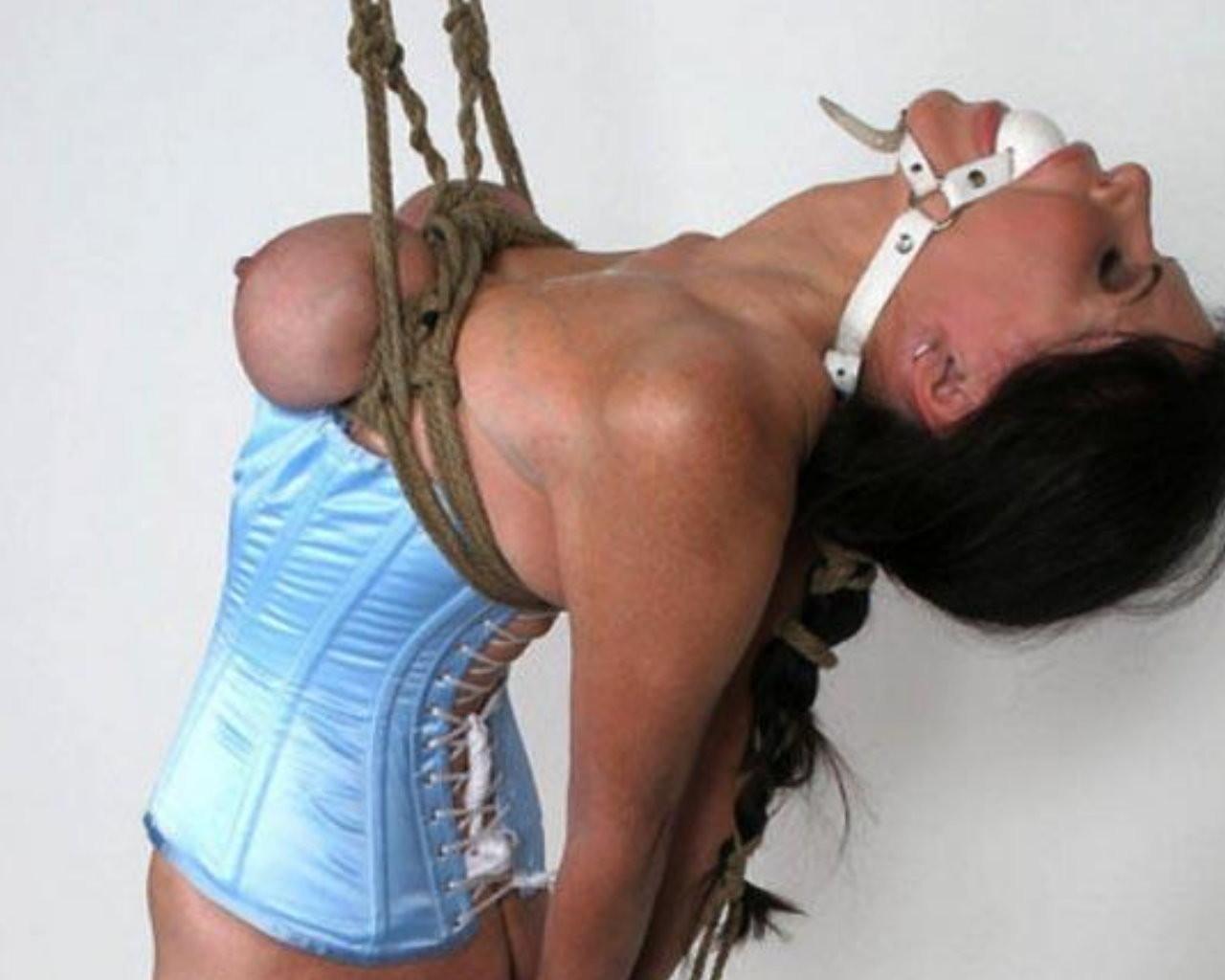 【SMエロ画像】縛り過ぎ注意!縄に囚われた被虐の生おっぱい(;´Д`)