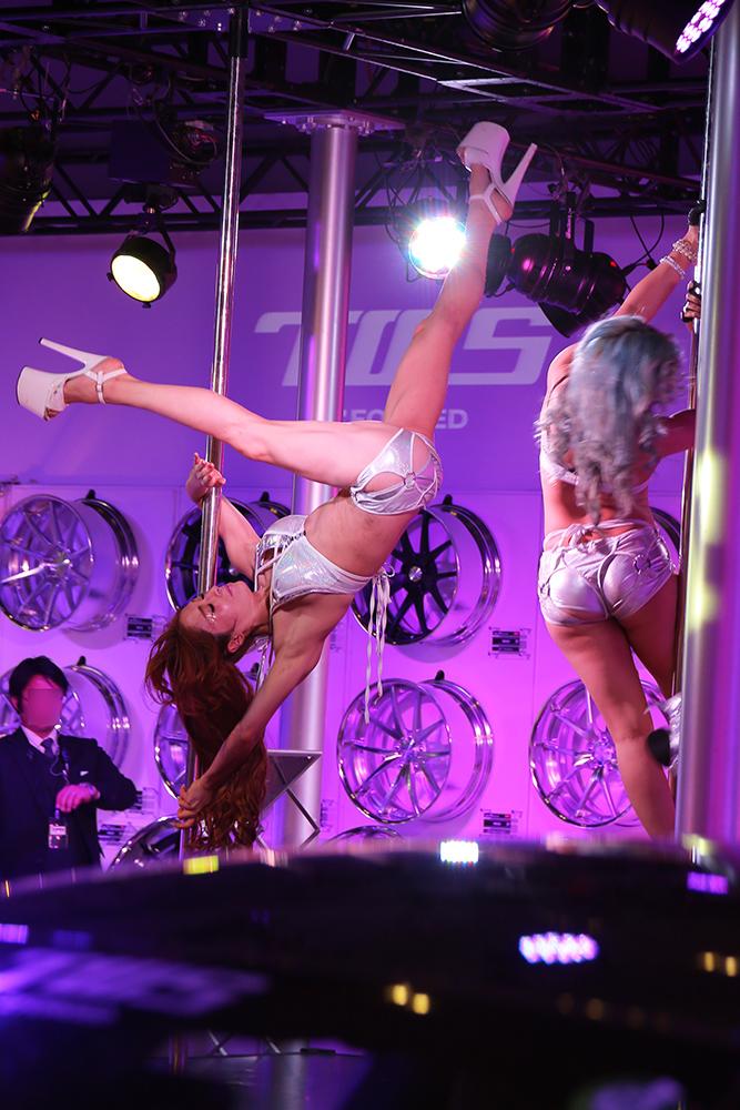 【ポールダンスエロ画像】元ネタを知らん女子に教えられないポールダンスの真の姿(;゚Д゚)