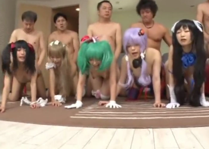 【エロ動画】イベント終わりに中出し大乱交に溺れたコスプイヤー集団!(;゚∀゚)=3