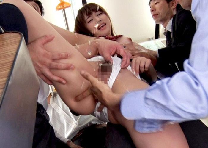 【エロ動画】嫌だった筈なのに痴漢車両に嵌っていた美少女JK!(*゚∀゚)=3