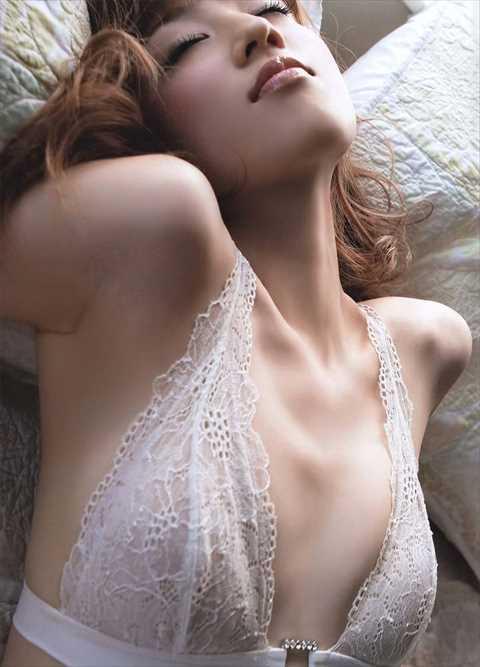 【衝撃】小倉優子(33)乳首透けヌードが出回る…乳輪がでかすぎてドン引きだろ…