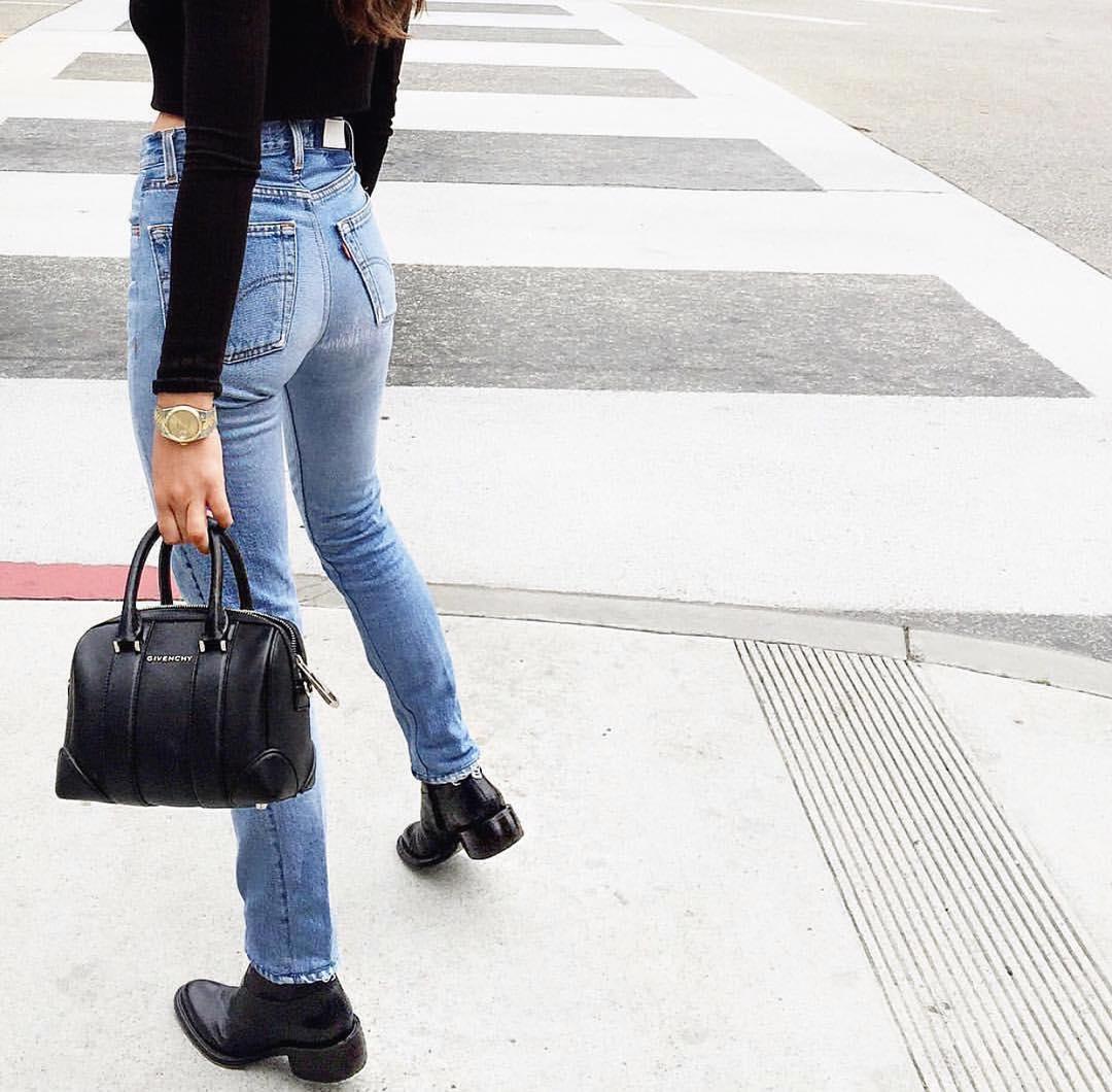 【着尻エロ画像】パツパツ最高!蒸れ度も期待大なジーンズ姿の着衣巨尻(;´∀`)