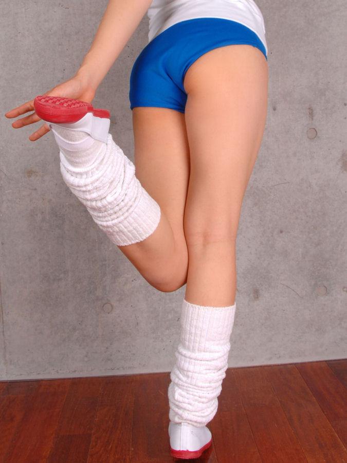 【ブルマエロ画像】着る風習が失われても存在はしている!ブルマを履いたムッチリ尻(;^ω^)