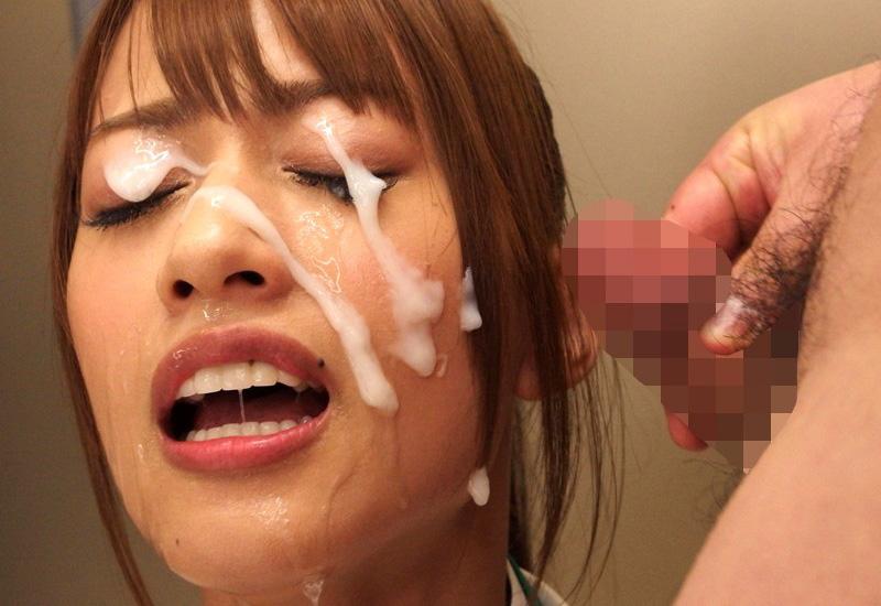 【ぶっかけエロ画像】好きで受けてる女優は少なかろうwザー汁ベットリ大量顔射(;^ω^)
