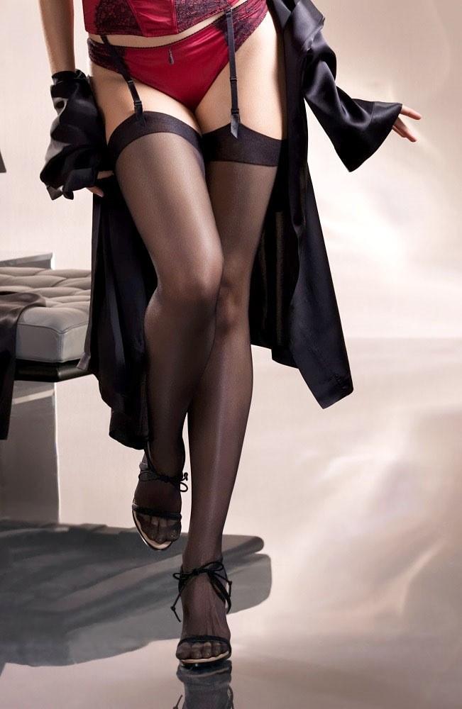 【下着エロ画像】大人の下半身の魅力を高めるガーターベルトの偉大さ(;´Д`)