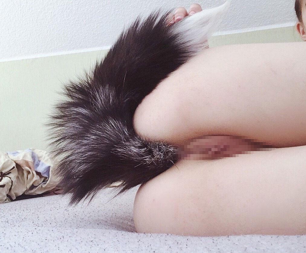 【アナルエロ画像】性交時以外でもケツ穴を塞ぐ変態な外人さん(;^ω^)