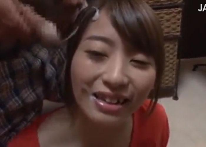 【エロ動画】場所を問わずにぶっかけされてしまったお姉さん!(;゚∀゚)=3