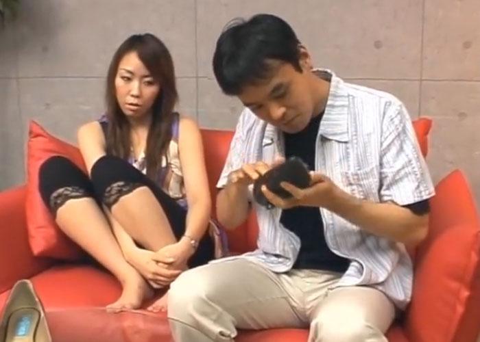 【エロ動画】奥様たちのヒールの中身を匂わせてもらうだけの簡単なお願いです(*゚∀゚)=3 01