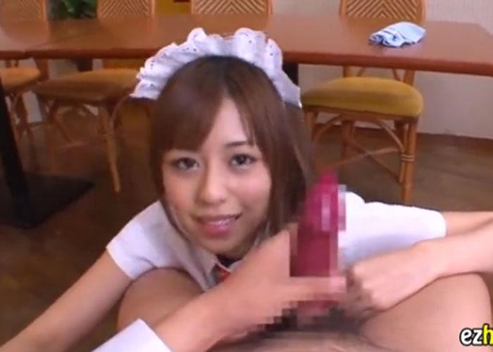 【エロ動画】VRで堪能したい!激カワウェイトレスが見つめながら手コキ責め(*゚∀゚)=3 01