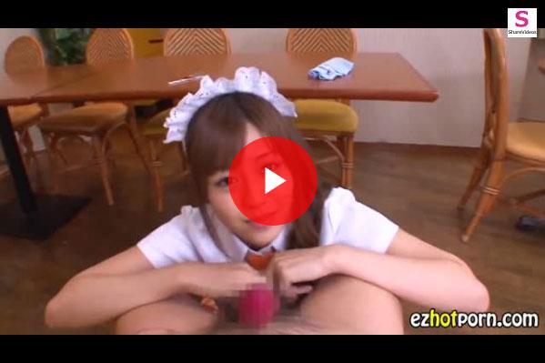 【エロ動画】VRで堪能したい!激カワウェイトレスが見つめながら手コキ責め(*゚∀゚)=3 03