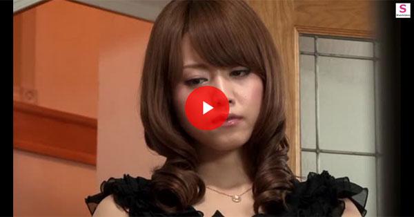 【エロ動画】構ってくれない旦那の隣でオナニーに夢中な美人妻!(*゚∀゚)=3 03