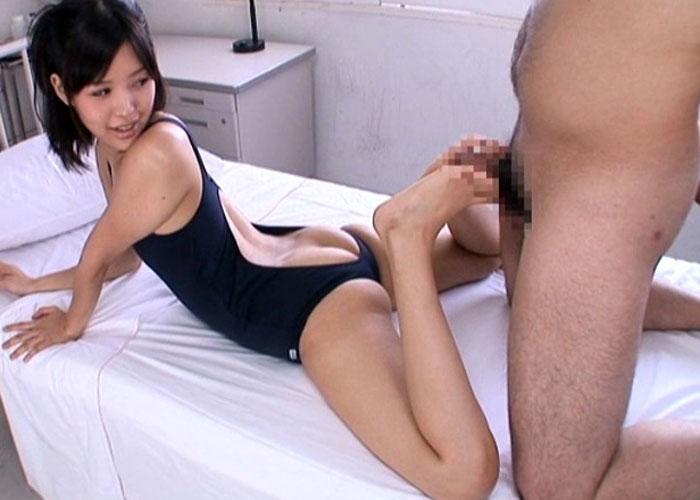 【エロ動画】制服も水着もハミ尻状態で誘惑を自重しない美少女JK!(;゚∀゚)=3