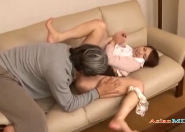 【エロ動画】夫の知らないところで義父に犯された若妻!(*゚∀゚)=3 01