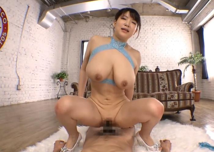 【エロ動画】激しい騎乗位の後はパイズリで抜いてくれる爆乳お姉さん!(*゚∀゚)=3