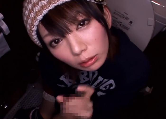 【エロ動画】居酒屋のトイレでほろ酔いフェラを披露する美少女!(*゚∀゚)=3