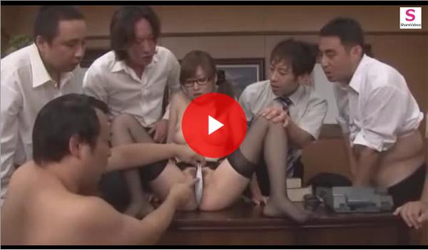 【エロ動画】全男性社員の性欲処理が仕事のメインな美人秘書!(*゚∀゚)=3 03