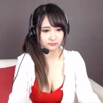 【ライブチャット】キタ!芸能人級ルックスの美巨乳チャット女子がたわわなお胸&手マンを見せてくれるぞー!!