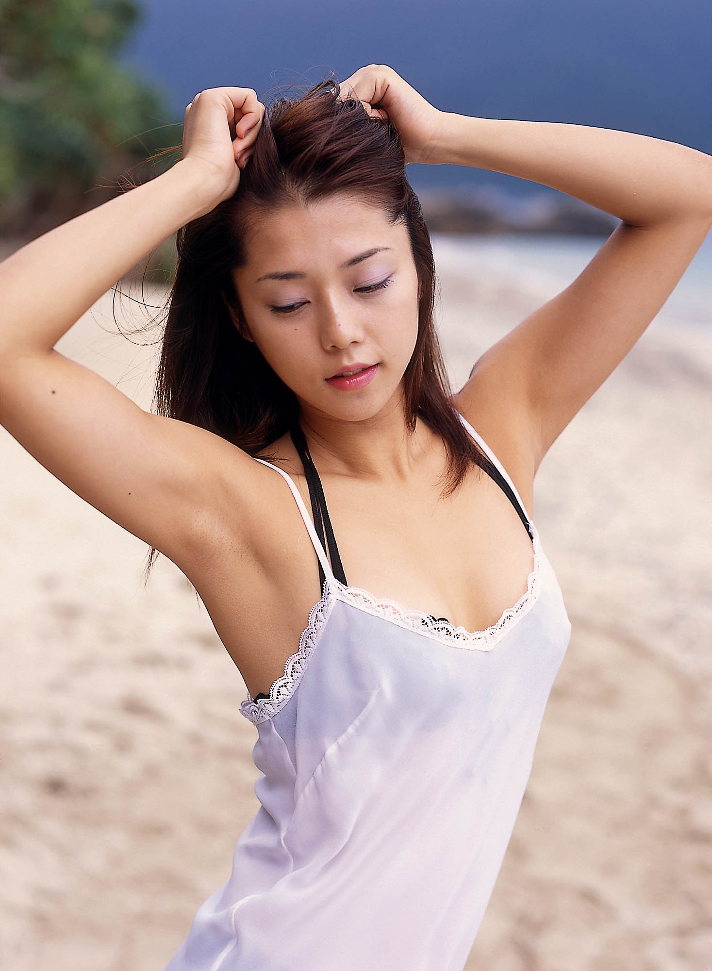 【腋フェチエロ画像】吸い付きやすい肉質してるw舐めて損なし美女の腋(;´Д`)